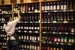 Trung Quốc áp thuế chống bán phá giá đối với rượu vang nhập khẩu từ Australia