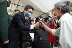 Phó Thủ tướng động viên tình nguyện viên tiêm thử nghiệm vaccine Nano Covax