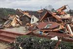 Dông lốc nghiêm trọng tại Mỹ gây thiệt hại về người và tài sản