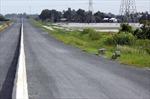 Tìm nam thanh niên có xe máy bỏ lại bên đường cao tốc Lộ Tẻ - Rạch Sỏi