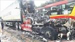 Xe đầu kéo container bốc cháy dữ dội trên Quốc lộ 1A