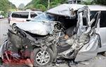 Xe tải tông ô tô 7 chỗ làm 1 trẻ tử vong, 5 người khác bị thương