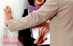 Sau vụ sàm sỡ trong thang máy bị phạt 200.000 đồng: Cần luật hóa hành vi quấy rối tình dục