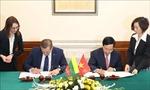 Việt Nam - Litva ký Hiệp định miễn thị thực cho người mang hộ chiếu ngoại giao