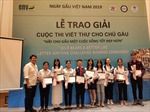 Học sinh Việt Nam gửi hơn 97.000 bức thư kêu gọi bảo vệ gấu