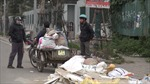 Bãi rác thải lớn, bốc mùi hôi thối trên đường Nguyễn Văn Huyên kéo dài