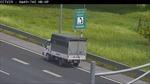 Phạt 17 triệu đồng nữ tài xế đi lùi xe trên cao tốc Hà Nội - Hải Phòng