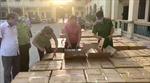 Bắt giữ vụ buôn lậu 64.000 bao thuốc lá