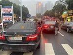 Hà Nội:  Tạm giữ hai xe Mercedes Benz cùng mang biển kiểm soát 30E-488.16