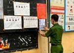 Công an Hà Nội dán mã QR Code tại 1.012 địa điểm phục vụ tuyên truyền bầu cử các cấp