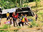 Ô tô tải rơi xuống vực, ít nhất 15 người thiệt mạng