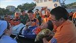 Đưa ngư dân gặp nạn trên vùng biển Trường Sa vào bờ an toàn