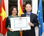 Tổng Giám đốc TTXVN Nguyễn Đức Lợi vinh dự nhận Huân chương Công trạng dân sự Encomienda của Nhà vua Tây Ban Nha