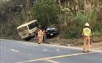 Đâm xe ô tô liên hoàn ở Hoà Bình, lái xe bỏ trốn
