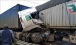 Container đâm nhau trên Quộc lộ 9, tài xế tử vong ngay trên cabin