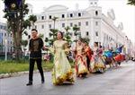 Bích Phương và bikini show 'bỏ bùa' khán giả Hạ Long tại Sun Dance Festival
