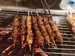 Bản hoà ca thịt xiên nơi con phố đê Hà Nội