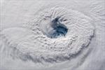 Nghẹt thở trước hình ảnh mắt bão 'quái vật' Florence nhăm nhe Bờ Đông nước Mỹ