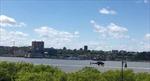 Trực thăng mất lái xoay vòng lao sầm xuống sông New York
