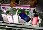 Dân Mexico mua điện thoại di động giả để lừa kẻ cướp
