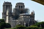 Các nhà tỷ phú hứa hẹn quyên tiền khôi phục Nhà thờ Đức Bà Paris chưa chi một đồng nào