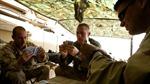 Lính Mỹ vừa chơi bài vừa học về vũ khí Nga, Trung Quốc, Iran
