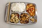 240 học sinh bốn trường tại Trung Quốc nhập viện vì nghi ngộ độc thức ăn