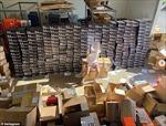 Phó Chủ tịch Nike từ chức sau khi con trai khoe lấy hàng của mẹ bán