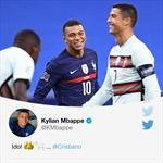 Tiền đạo K. Mbappe mãn nguyện khi đổi áo với thần tượng Ronaldo sau cuộc chiến sinh tử