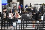Mỹ duy trì các hạn chế nhập cảnh do số ca nhiễm biến thể Delta tăng