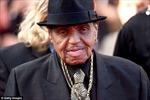 Cha đẻ huyền thoại Michael Jackson qua đời