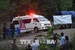 Bốn cầu thủ  nhí Thái Lan đã được đưa đến bệnh viện