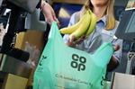 Siêu thị Anh ngừng sử dụng túi nilon
