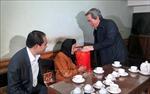 Đồng chí Nguyễn Văn Bình thăm và tặng quà gia đình chính sách tại Tuyên Quang