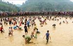 Lễ hội bắt cá bằng tay không ở Tuyên Quang