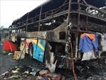 Xe khách giường nằm bị cháy trơ khung trên quốc lộ 1A