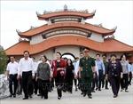 Chủ tịch Quốc hội tưởng niệm các Anh hùng Liệt sỹ tại TP Hồ Chí Minh