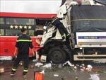 Xe tải đấu đầu xe khách ở Nghệ An, ít nhất 11 người thương vong