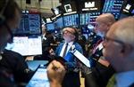 Thị trường chứng khoán Phố Wall đỏ sàn