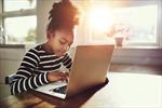 Du học sinh Việt tại Canada học online