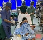 Thanh Hóa: Phẫu thuật thành công bệnh nhân bị xà beng đâm xuyên người