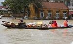 Các chuyến hàng cứu trợ liên tục hướng về miền Trung