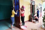 Bộ trưởng Bộ Giáo dục và Đào tạo thăm hỏi, động viên ngành giáo dục vùng lũ tỉnh Quảng Bình