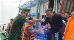 Đưa 11 ngư dân tàu cá Bình Định BĐ 98658 TS về đất liền an toàn