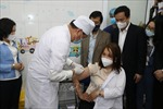 Khởi đầu chiến dịch tiêm vaccine phòng COVID-19 quy mô lớn nhất từ trước đến nay