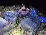 Mật phục, bắt quả tang vụ vận chuyển 1.800 gói thuốc lá lậu