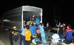 Nghệ An tiến hành test nhanh, dùng xe trung chuyển giúp công dân về quê