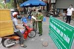 Hà Nội duy trì chốt tự quản 'vùng xanh'tại các thôn, tổ dân phố