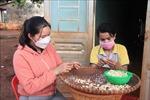 Người phụ nữ S'tiêng tặng đấtdựng nhà cho nhiều bà con nghèo