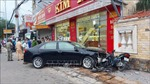 'Xe điên' húc văng hàng loạt xe máy, nhiều người bị thương
